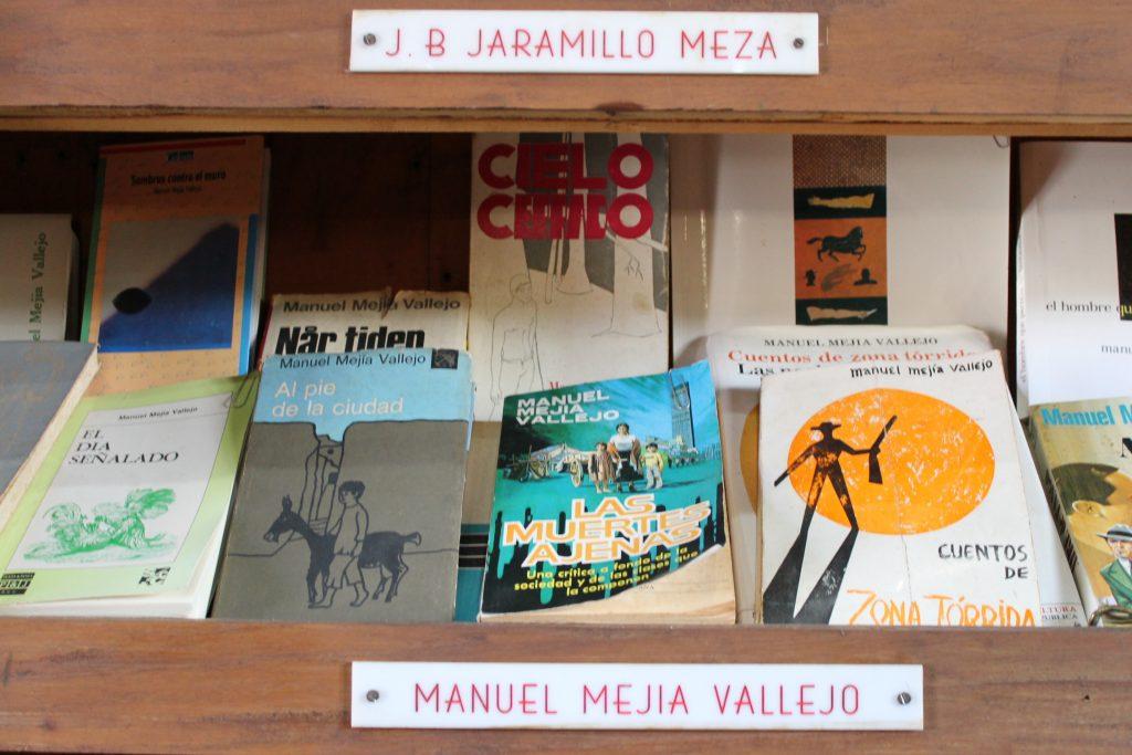 escritores-jericoanos-centro-de-historia-jerico-antioquia-11
